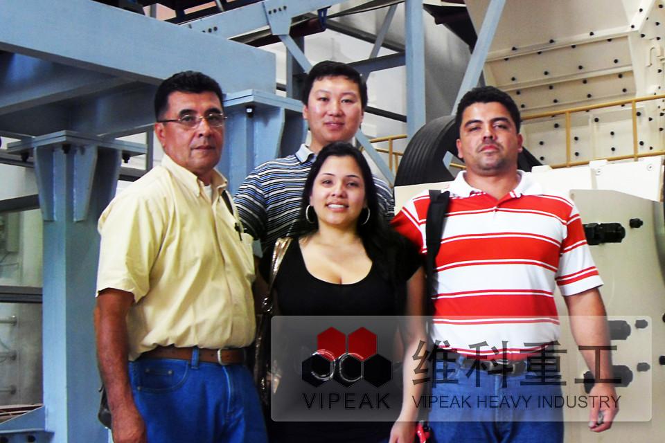 墨西哥客户参观展厅